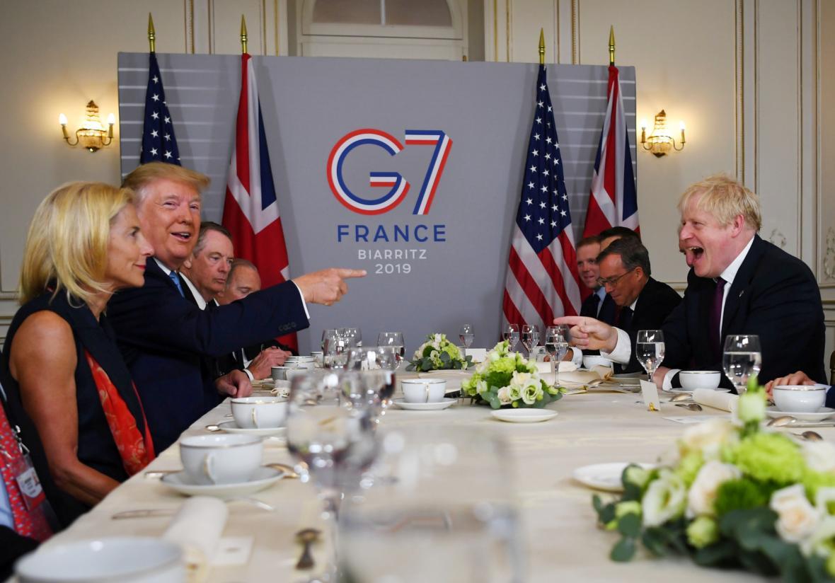 Donald Trump a Boris Johnson na pracovní snídani