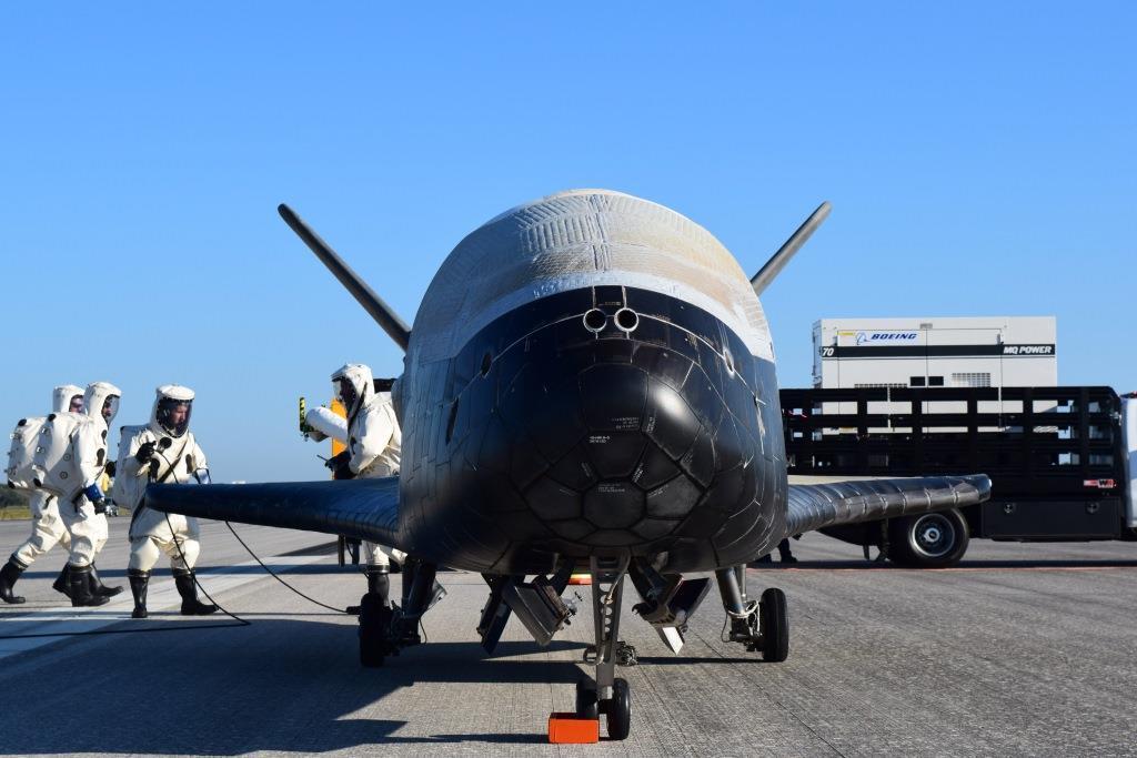 Raketoplán X-37B
