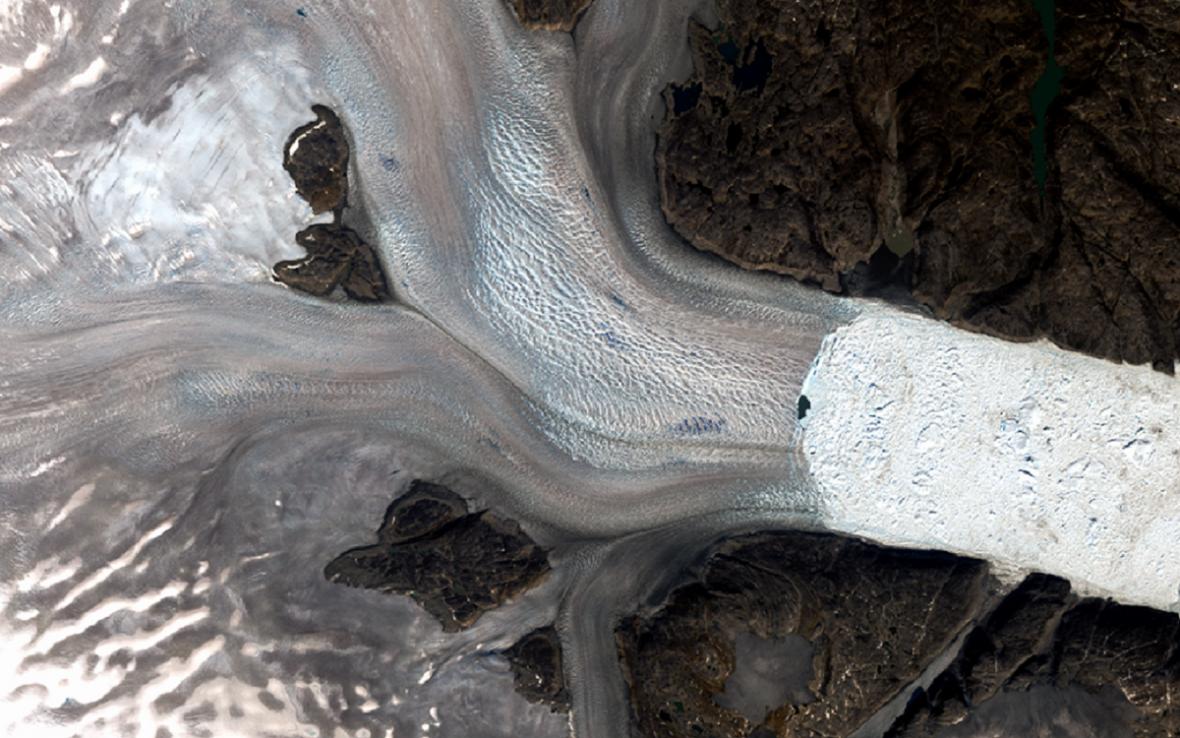 Ledovec Helheim roku 1972 a 2019