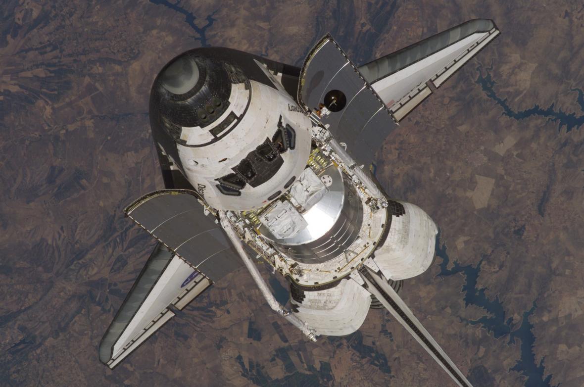 Raketoplán Discovery 35 let
