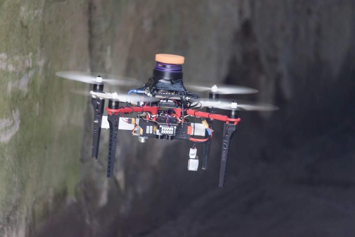 Čeští roboti na soutěži DARPA