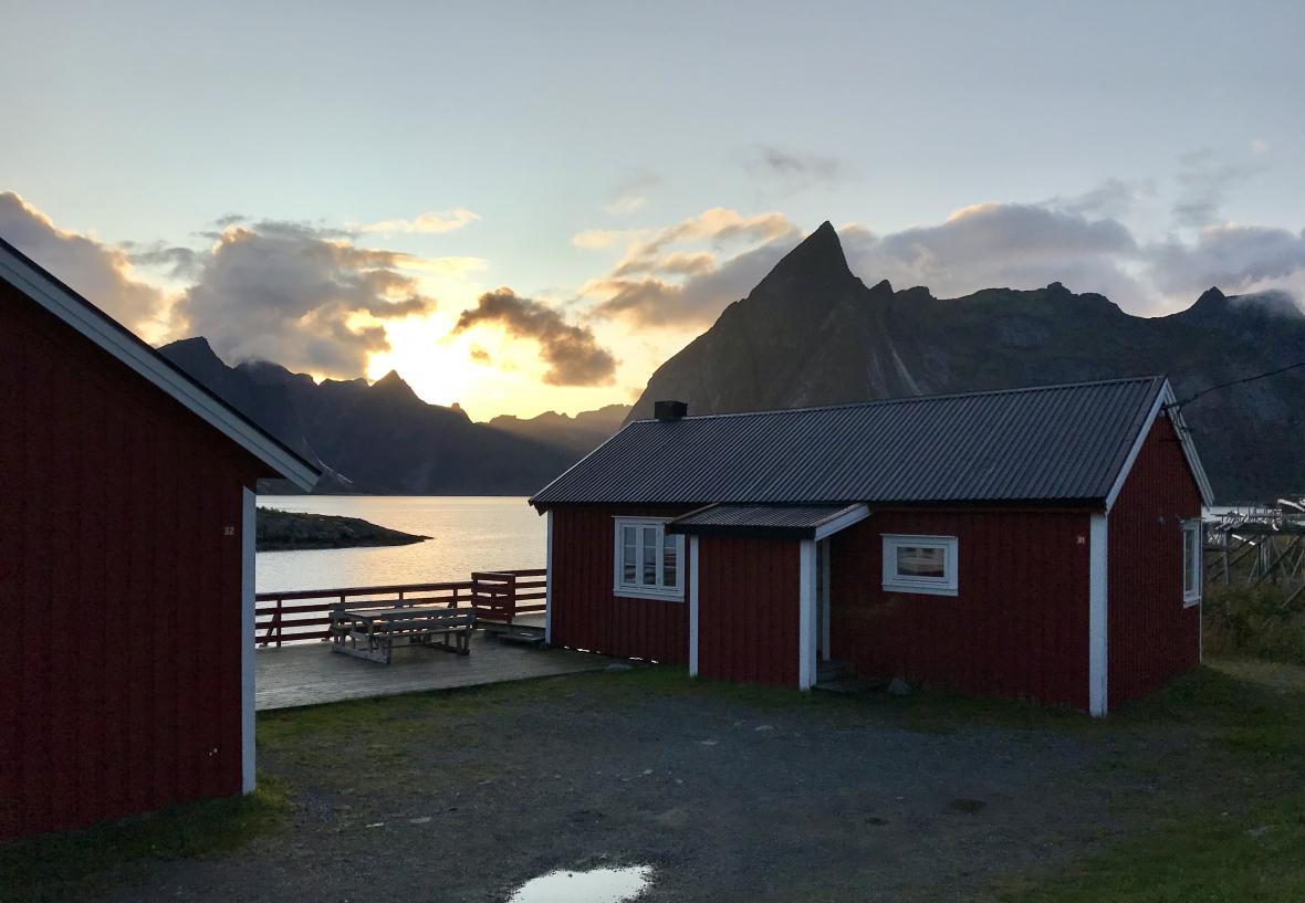Jeden z tradičních původně rybářských domků v obci Hamnøy