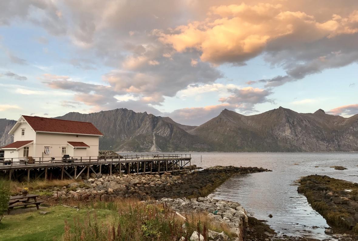 Západ slunce u Mefjordvaeru