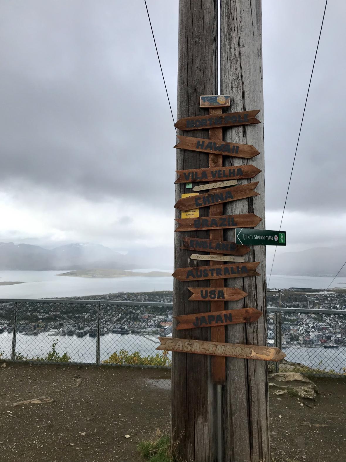 Vyhlídka ze stanice lanovky Fjellstua
