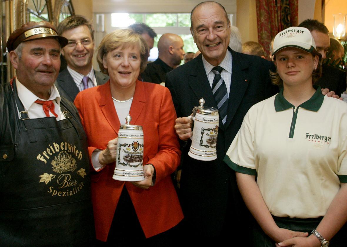 Jacques Chirac na návštěvě Německa s kancléřkou Angelou Merkelovou v roce 2006.