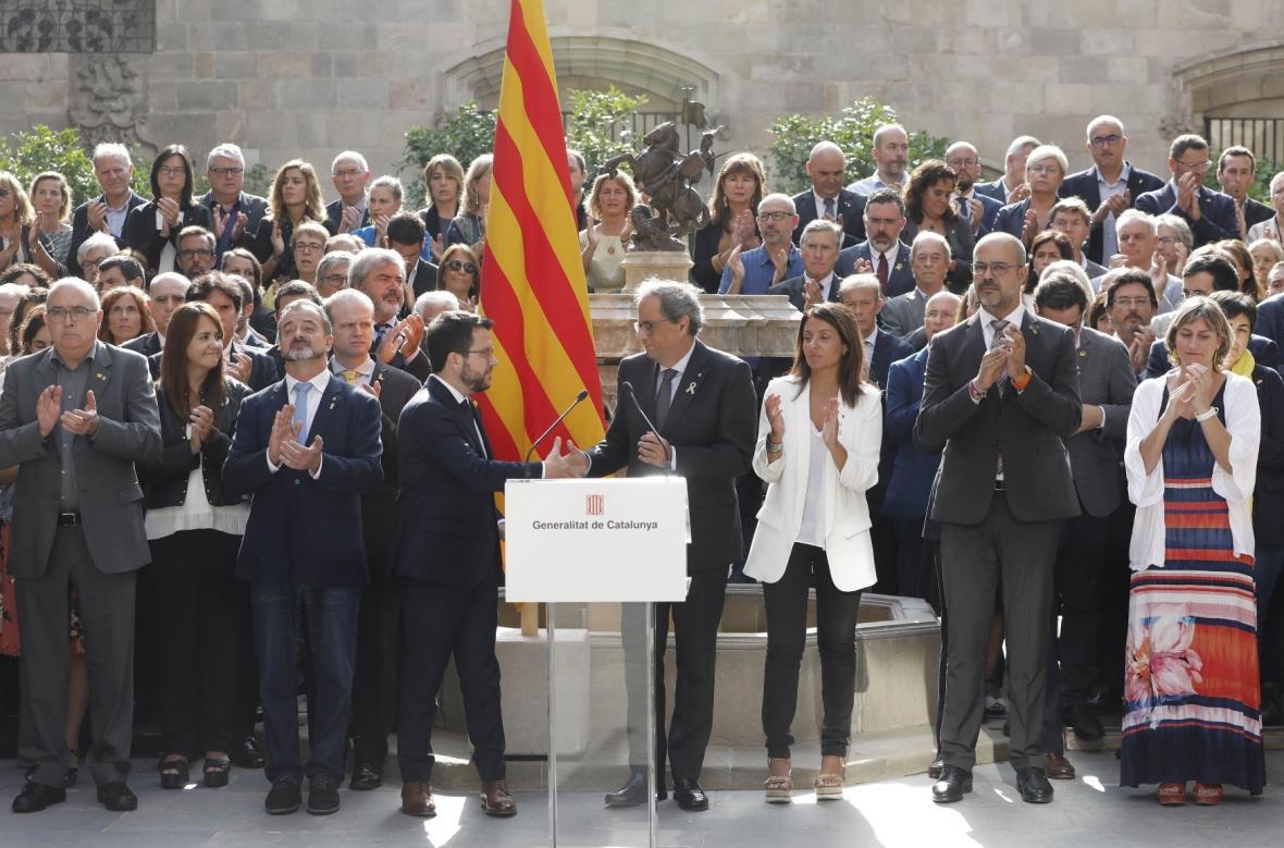 Výročí referenda si připomněla i nová katalánská vláda