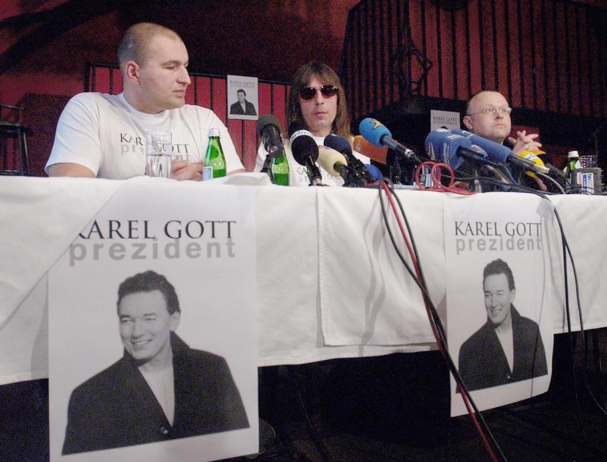 Zemřel Karel Gott. Připomeňte si jeho život i kariéru ve fotografiích