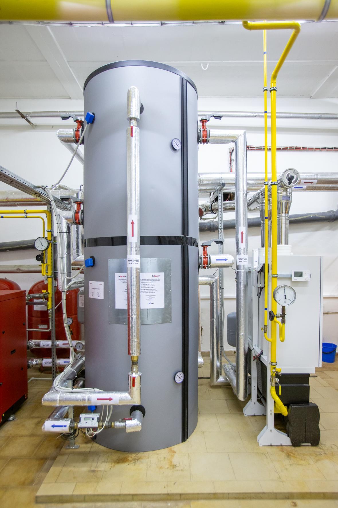 Centrální kotelna lokální sítě pro distribuci tepla a elektřiny v Budišově nad Budišovkou