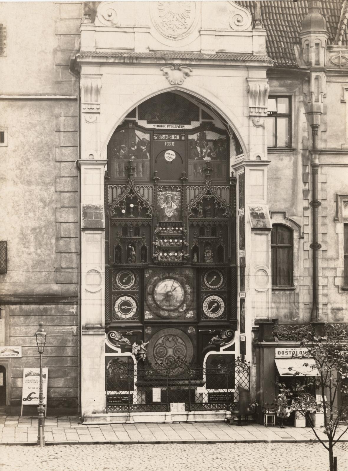 Olomoucký orloj - fotografie z roku 1926