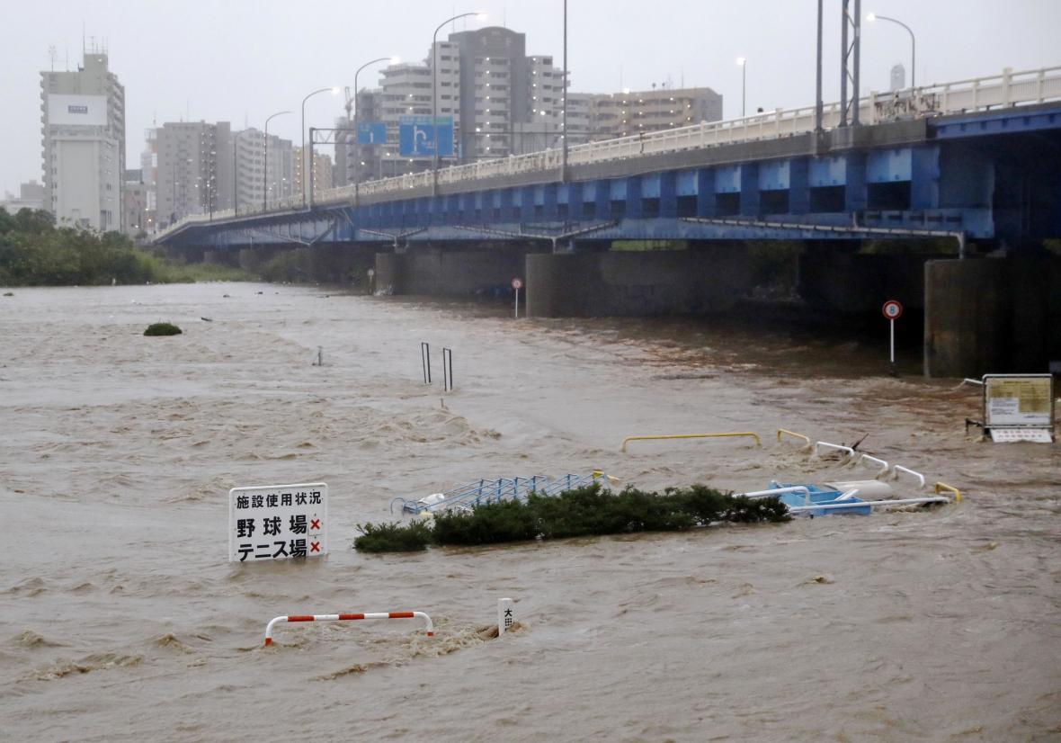 Zaplavená část Tokia před příchodem tajfunu Hagibis