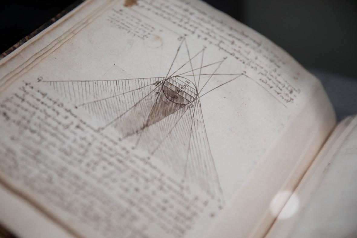 Výstava prací Leonarda da Vinciho u příležitostí 500 let od jeho úmrtí