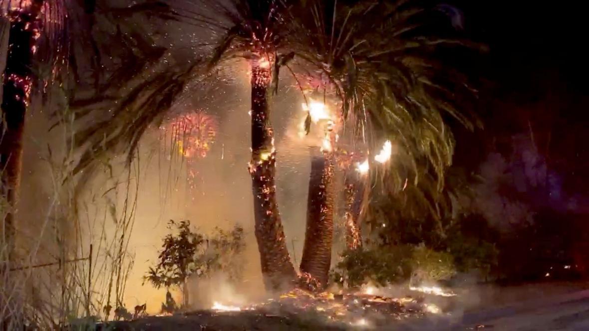 Kalifornie bojuje s požáry
