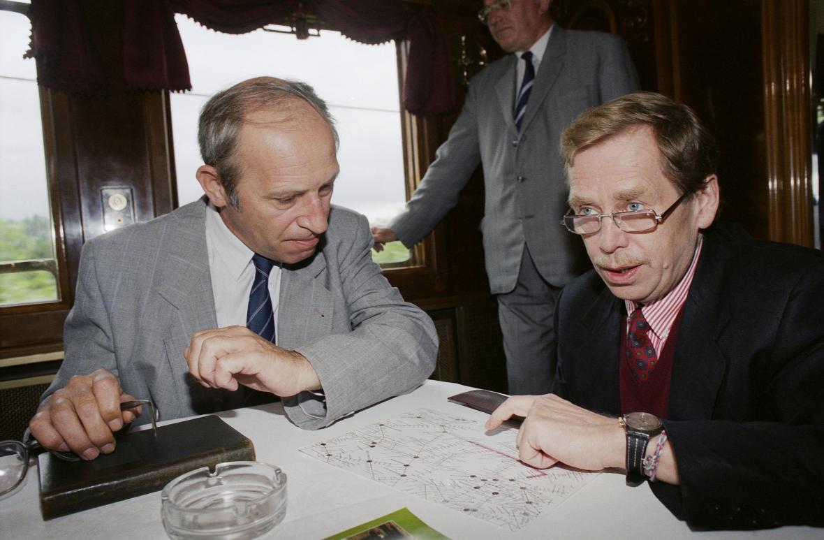Jan Stráský s Václavem Havlem (1993)