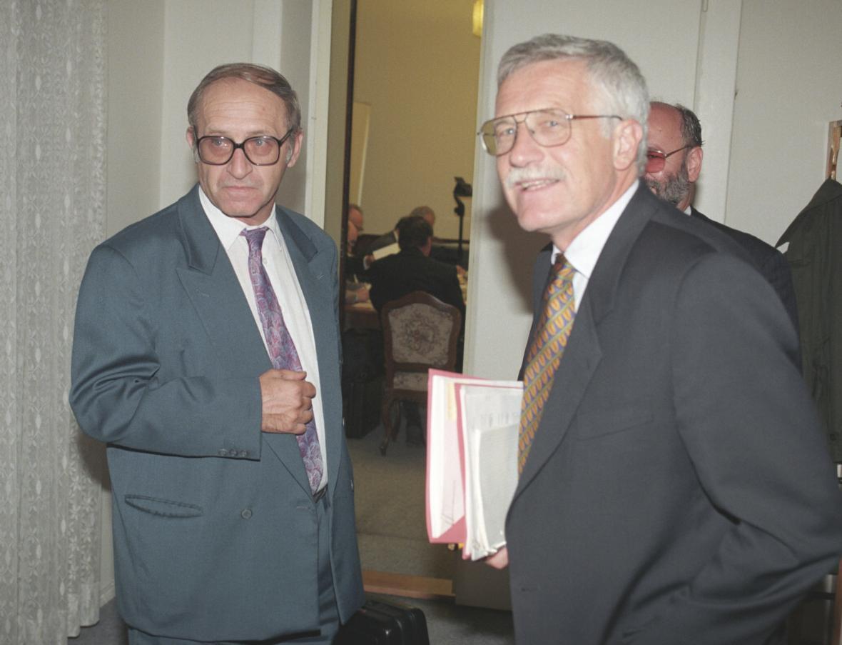 Jan Stráský s Václavem Klausem (1996)