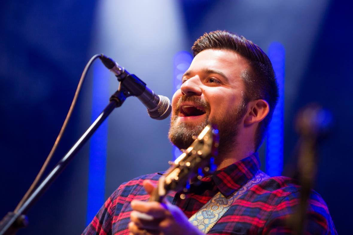 Slovenský zpěvák a kytarista Štefan Uhriňák alias Tony Bigmouth Pearson