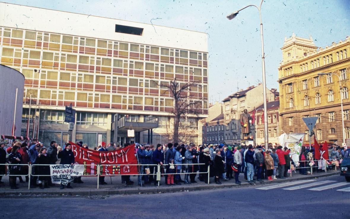 Listopad a prosinec 1989 v Brně na fotografiích Jiřího Krejčího