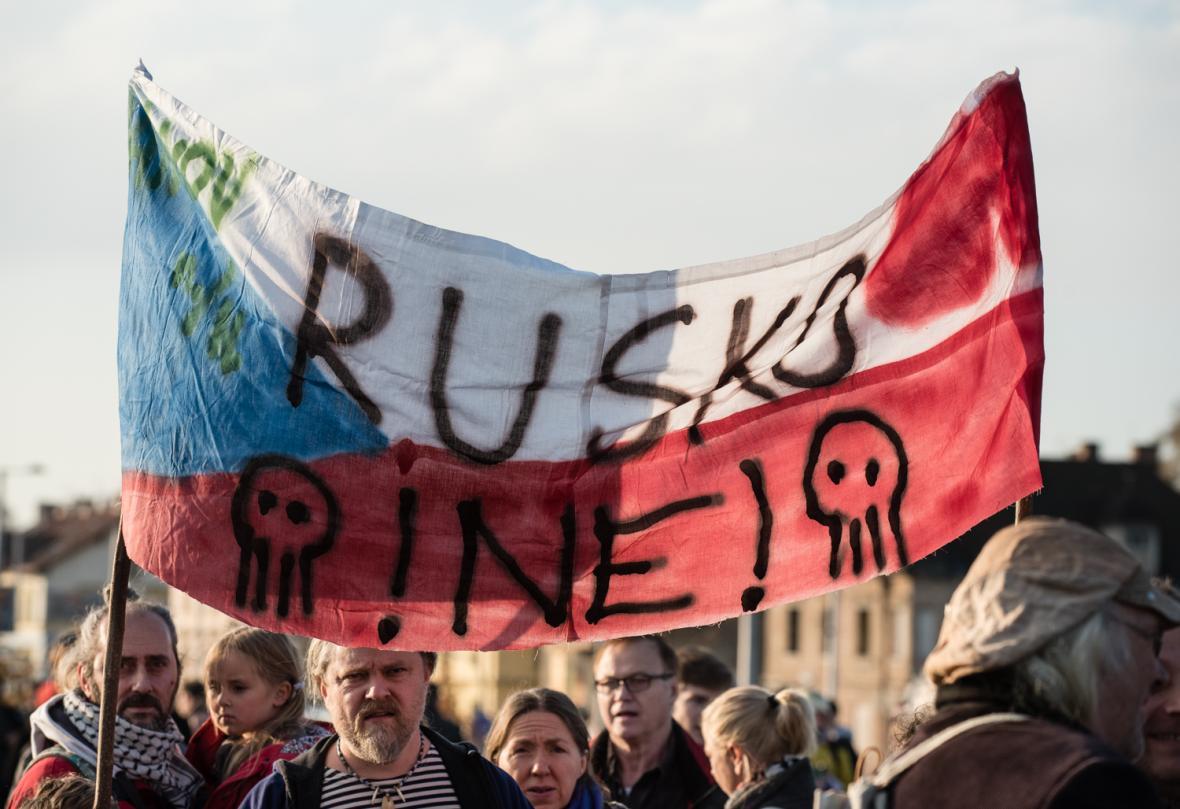Demonstrace na Letné 16. listopadu 2019