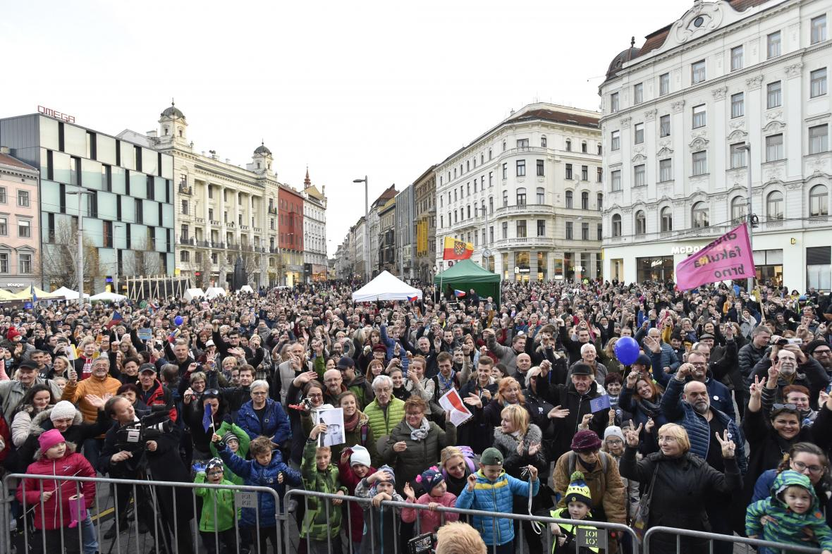 Brňané oslavují třicáté výročí sametové revoluce