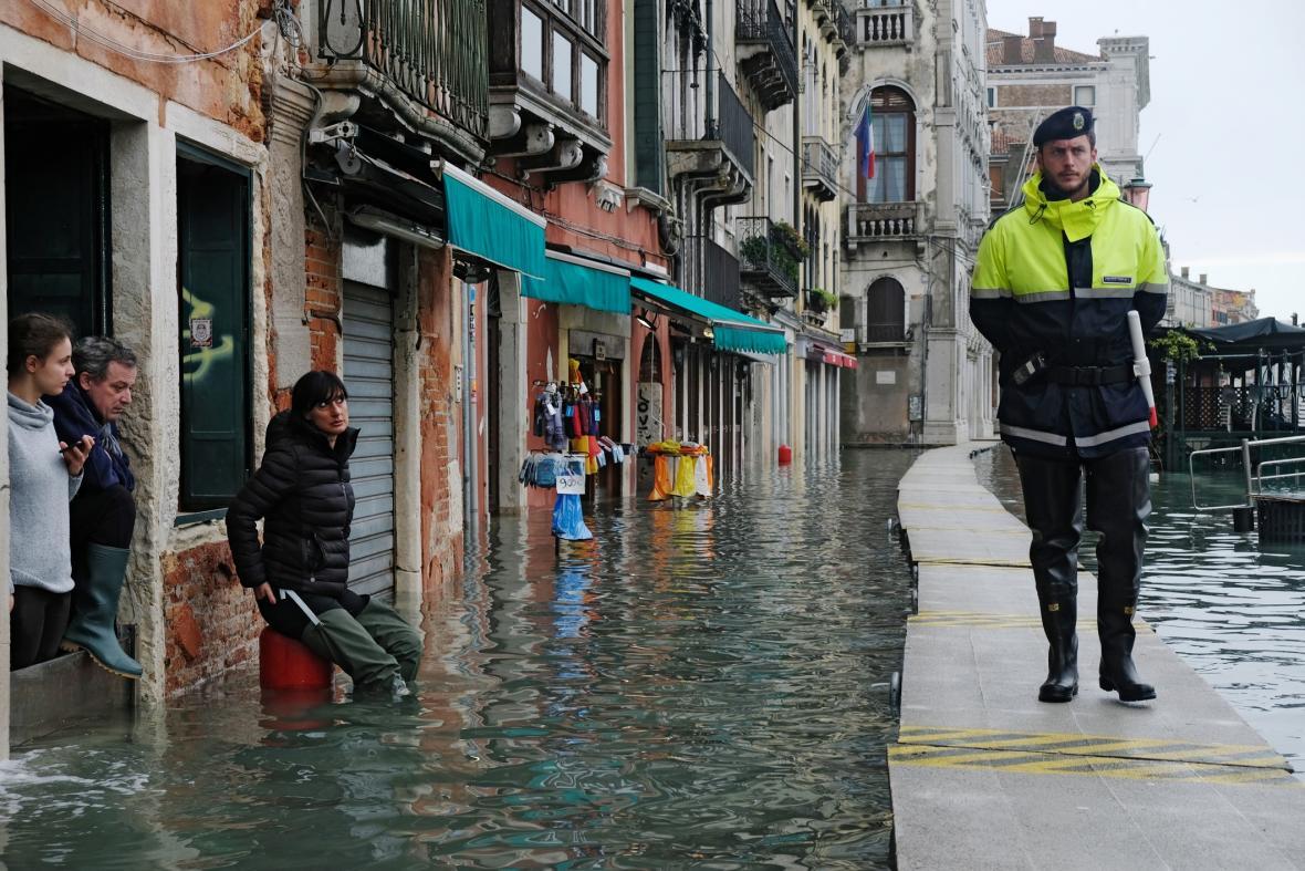 Následky vysoké vody v Benátkách