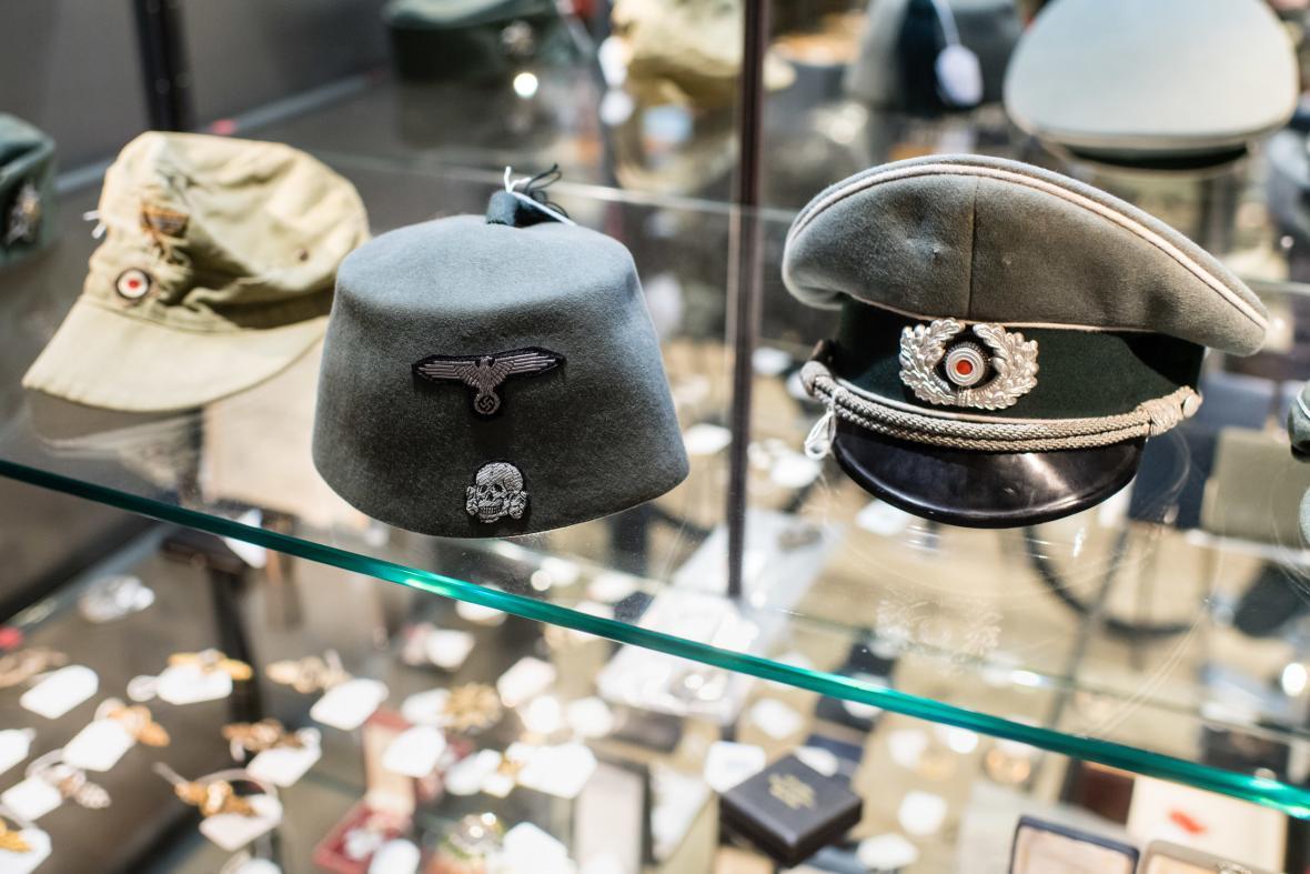 Kontroverzní dražba nacistických předmětů v Bavorsku