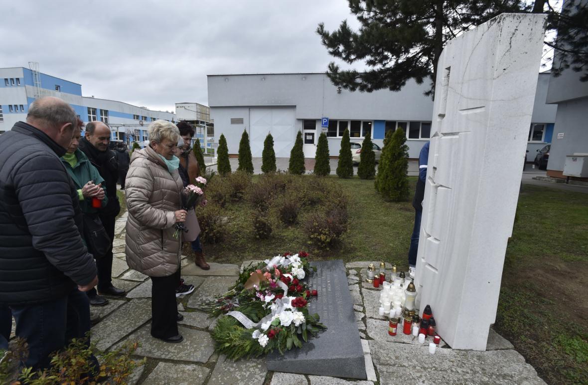 Vzpomínka na oběti tragédie v Mesitu v roce 1984