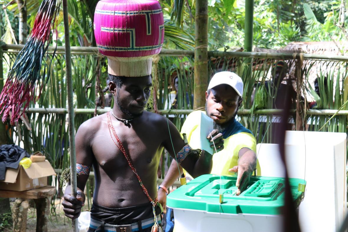 Obyvatelé ostrova Bougainville rozhodli ve volbách o nezávislosti na souostroví Papua-Nová Guinea
