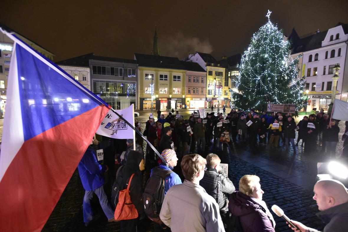 Regionální protesty příznivců spolku Milionu chvilek pro demokracií