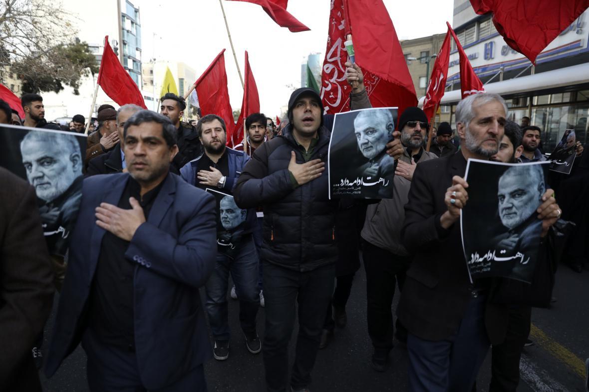 Protesty po zabití Solejmáního v Íránu