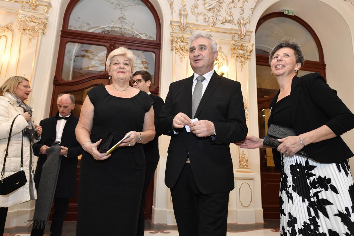 Místopředseda Senátu Milan Štěch s chotí Ivanou