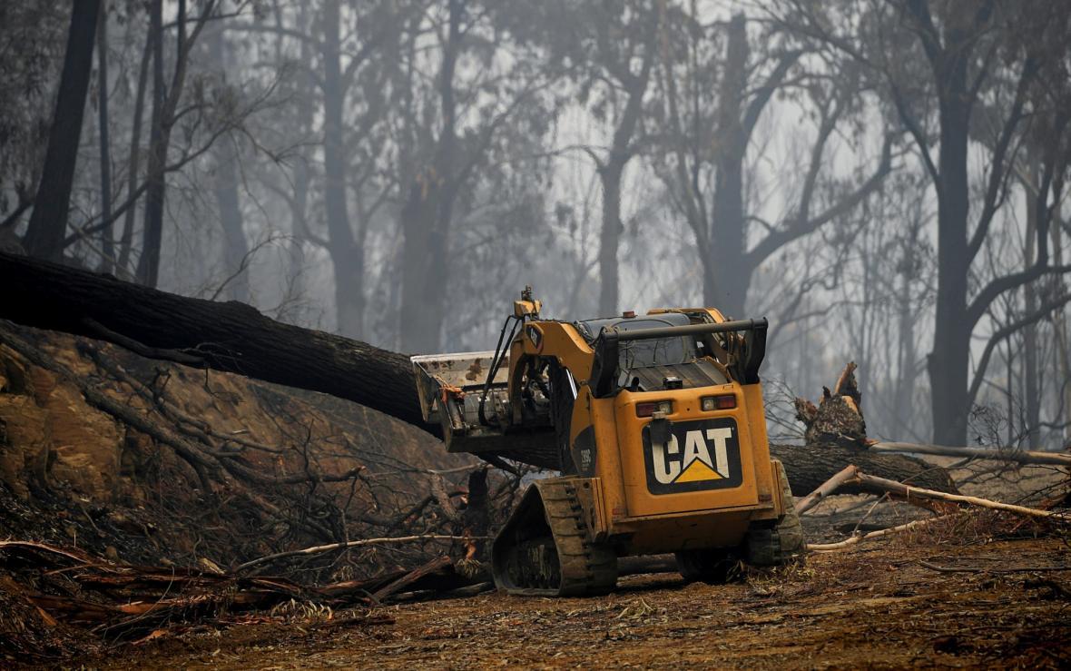 Obyvatelé Austrálie zdecimování dloudobými požáry