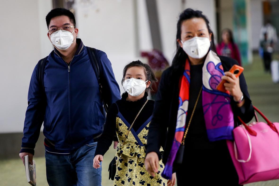 Koronarovirus omezuje chod čínských měst