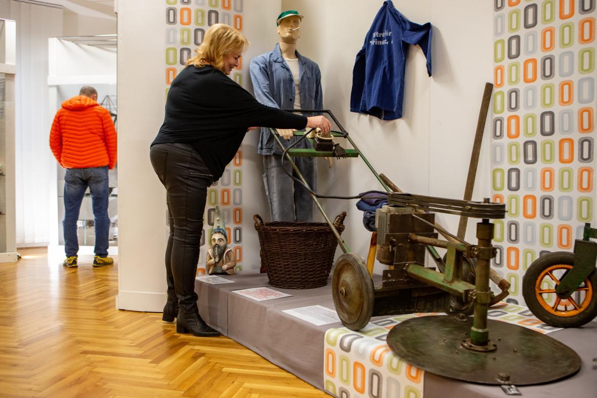 Výstava ukazuje rozmanité výrobky kutilů z Třineckých železáren