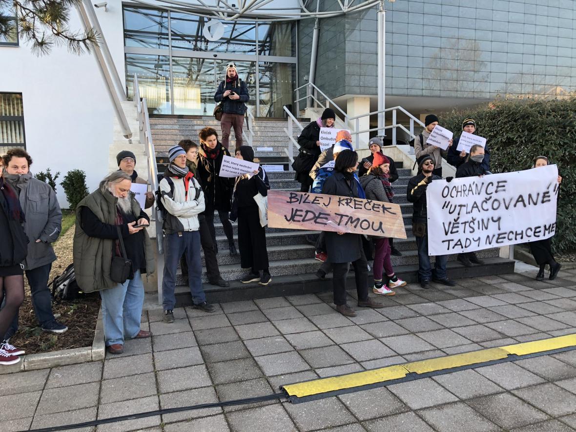 V Brně protestují proti novému ombudsmanovi