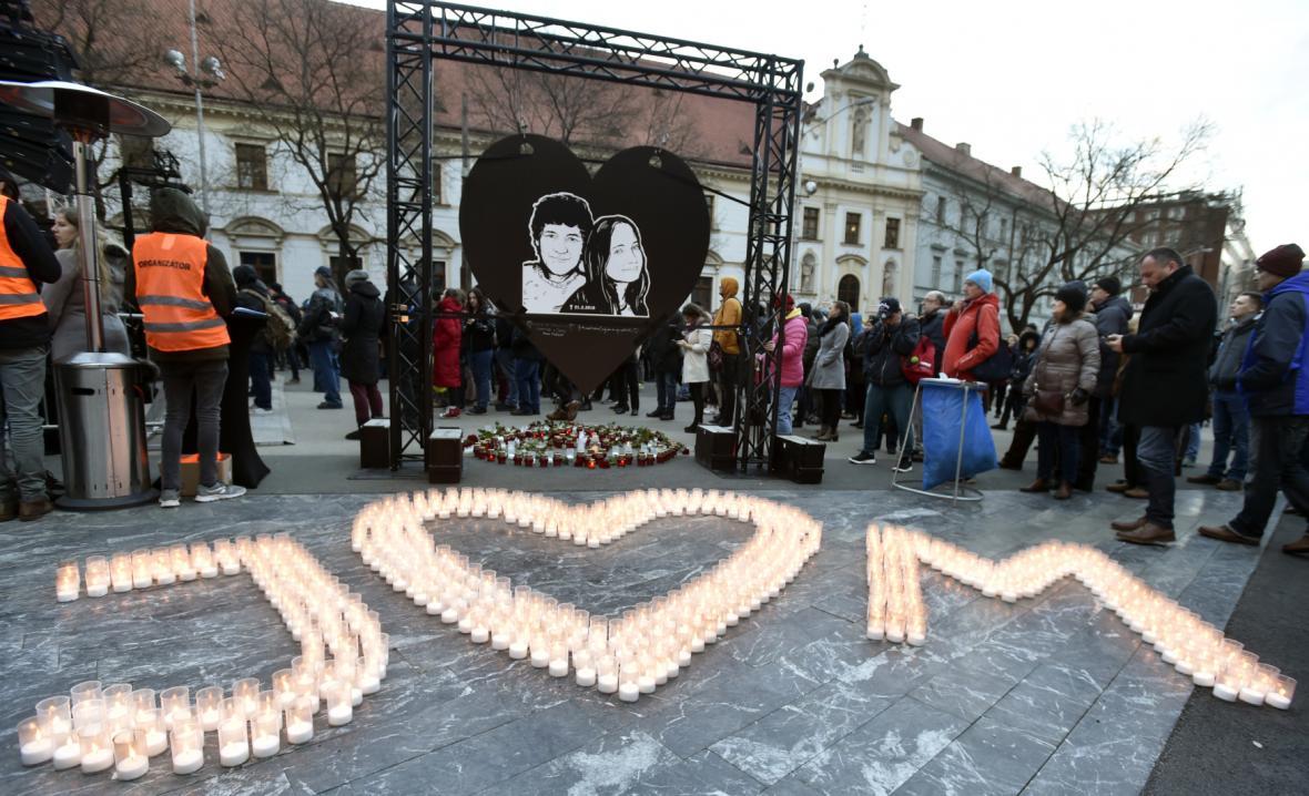 Slovensko si připomíná dva roky od vraždy Jána Kuciaka a jeho snoubenky
