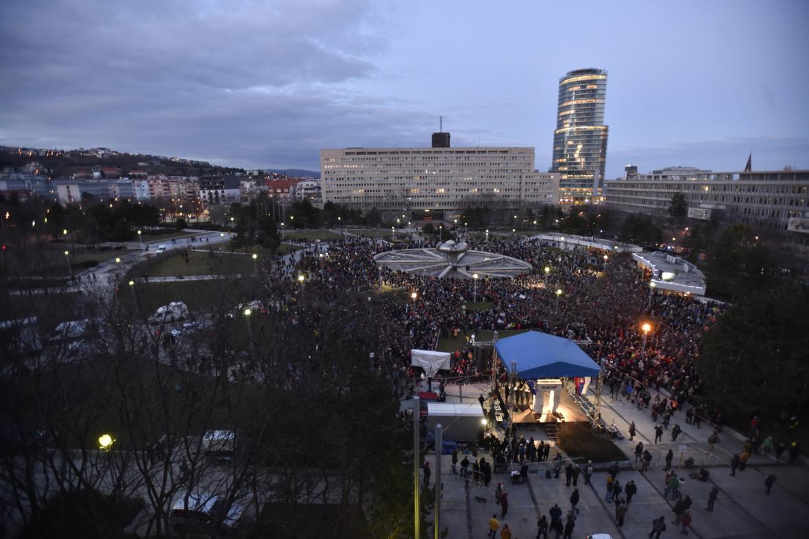 Demonstrace na bratislavském Náměstí svobody