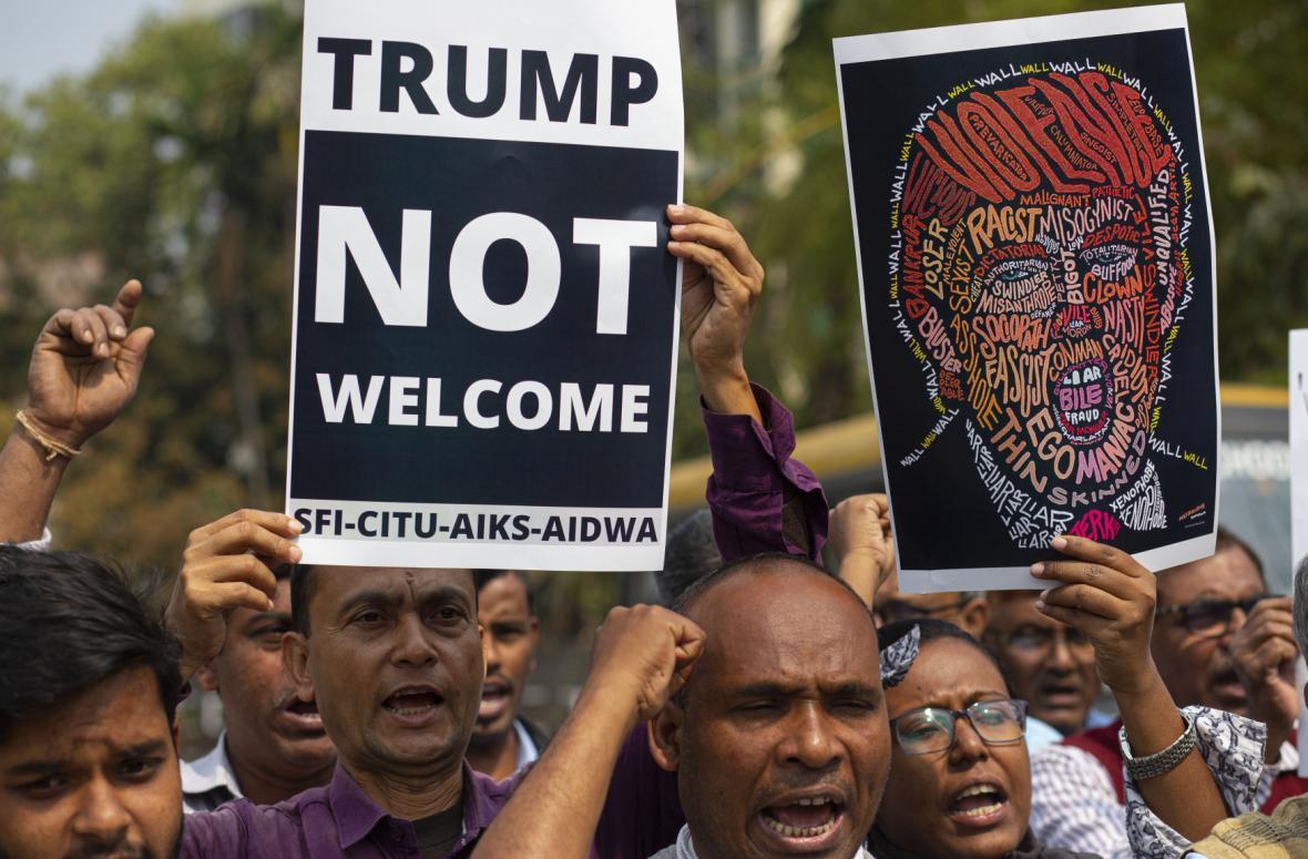 Indové protestující proti americkému prezidentovi Donaldu Trumpovi