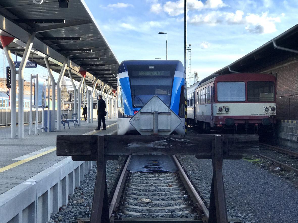 Vlak Stadler na nádraží v Olomouci