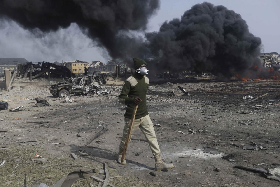 Lagosem otřásl mohutný výbuch. Exploze zdemolovala 50 budov