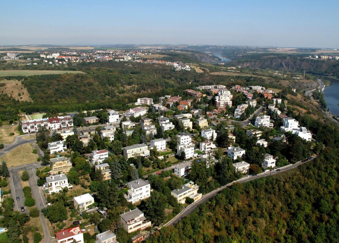 Kolonie na sídlišti Baba v pražských Dejvicích