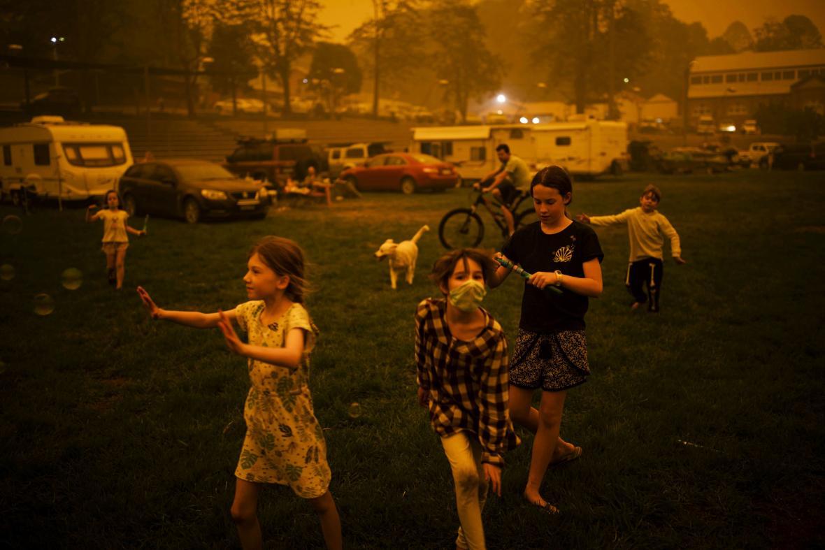 2. místo CONTEMPORARY ISSUES – SINGLES: Bushfire Evacuation Center