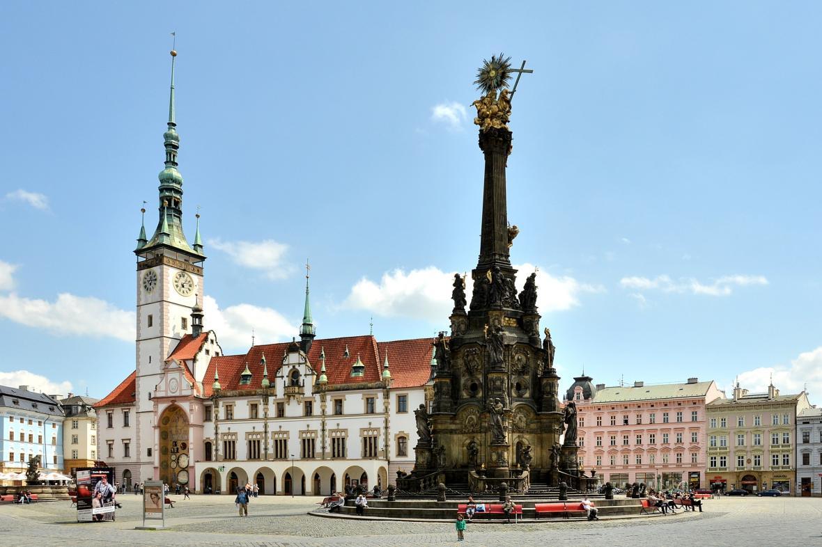 Olomoucká radnice před rekonstrukcí a současný stav