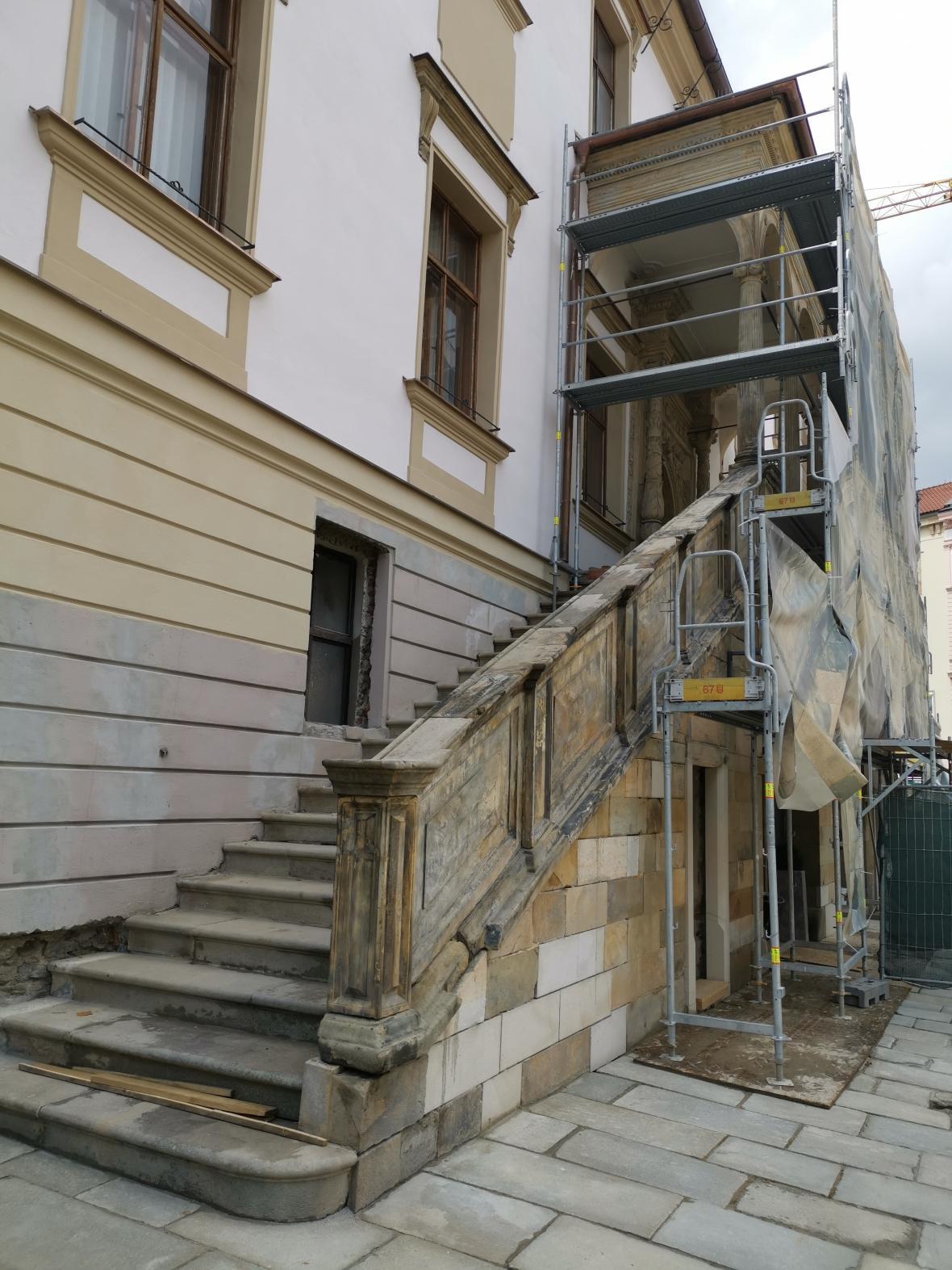 Oprava historického schodiště