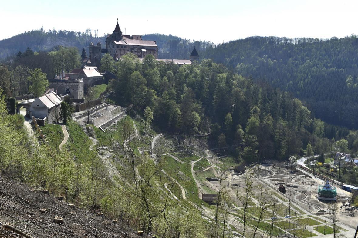 Obnova vrchnostenské zahrady u Pernštějna