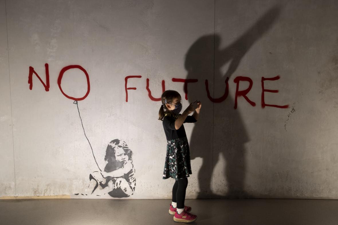 Z výstavy The World of Banksy