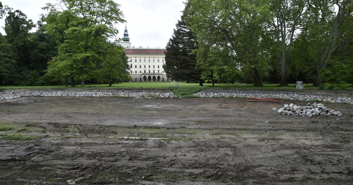 Do kroměřížské Podzámecké zahrady se vrací voda
