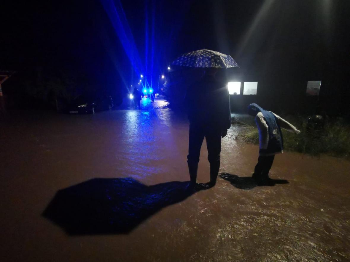 Zaplavené ulice v Uničově-Dolní Sukolomi