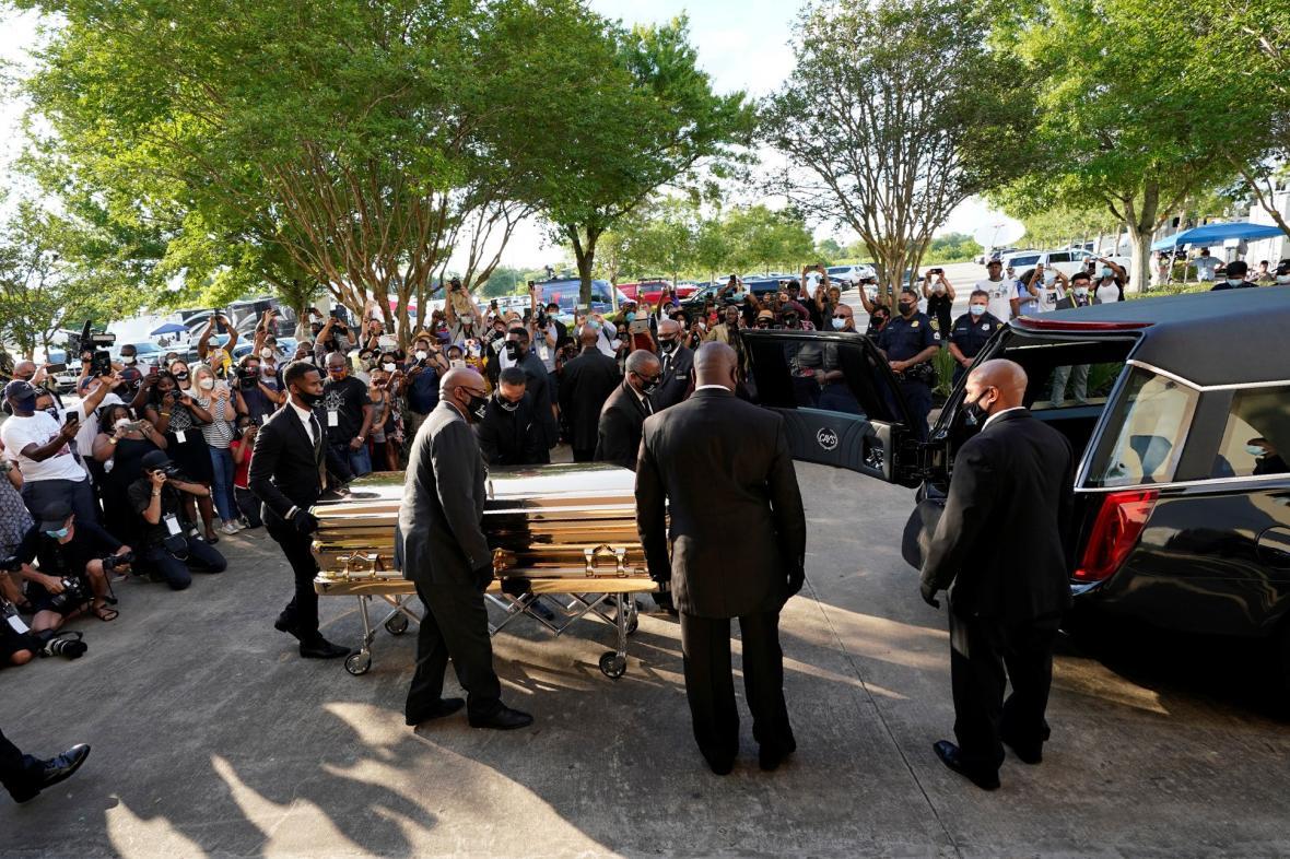 Pieta, vzpomínkové akce a rozloučení se zesnulým Georgem Floydem. Američané se loučí s obětí policejního násilí