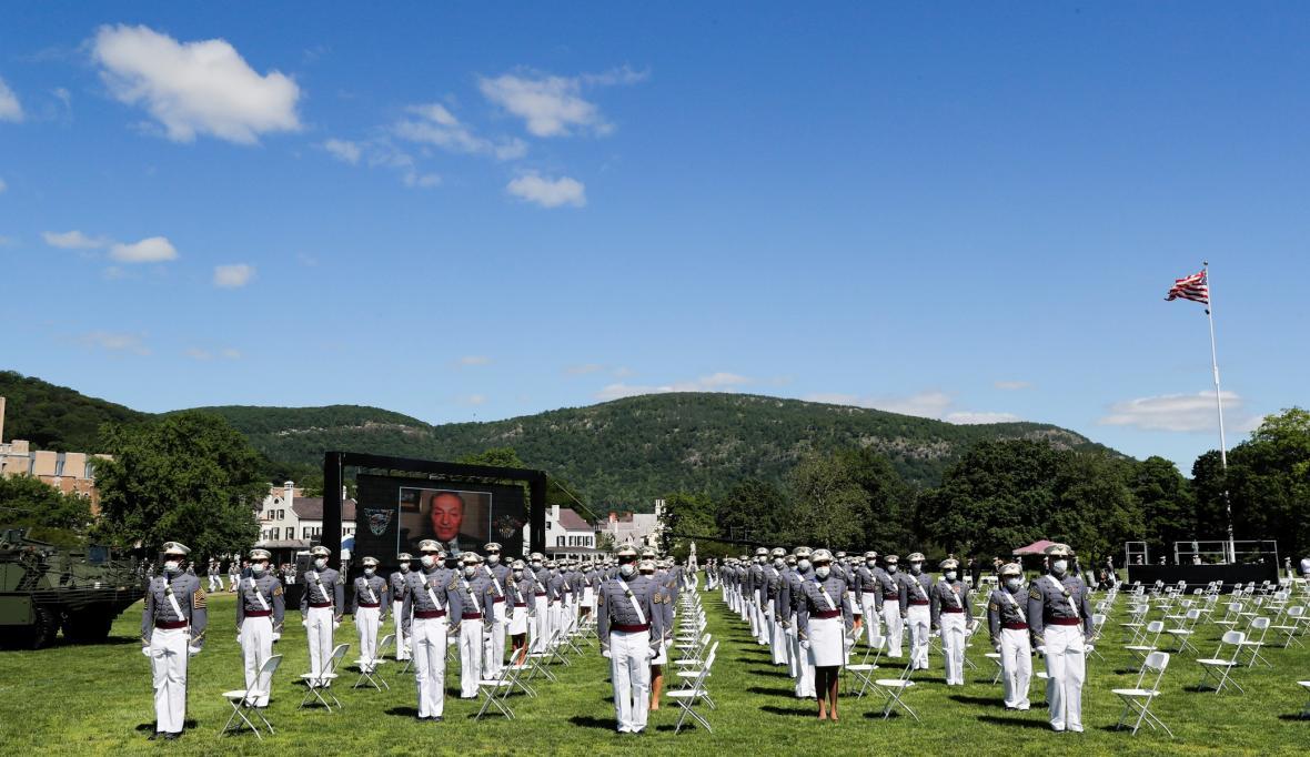 Slavnostní ukončení výcviku kadetů na Vojenské akademie Spojených států amerických známé jako West Point