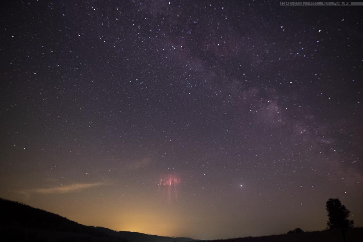 Nadoblačné blesky vyfocené z 12. na 13. červen