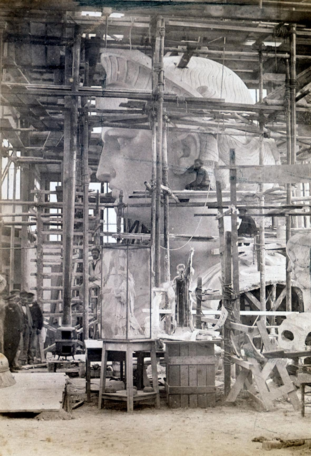 Stavba Sochy Svobody